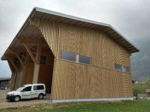 Werkhalle der Suter Holzbau AG
