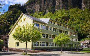 Eternitfasade Schulhaus